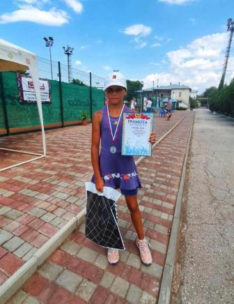 Турнир серии РТТ «Первенство г.Евпатория» среди юношей и девушек до 15 лет по теннису